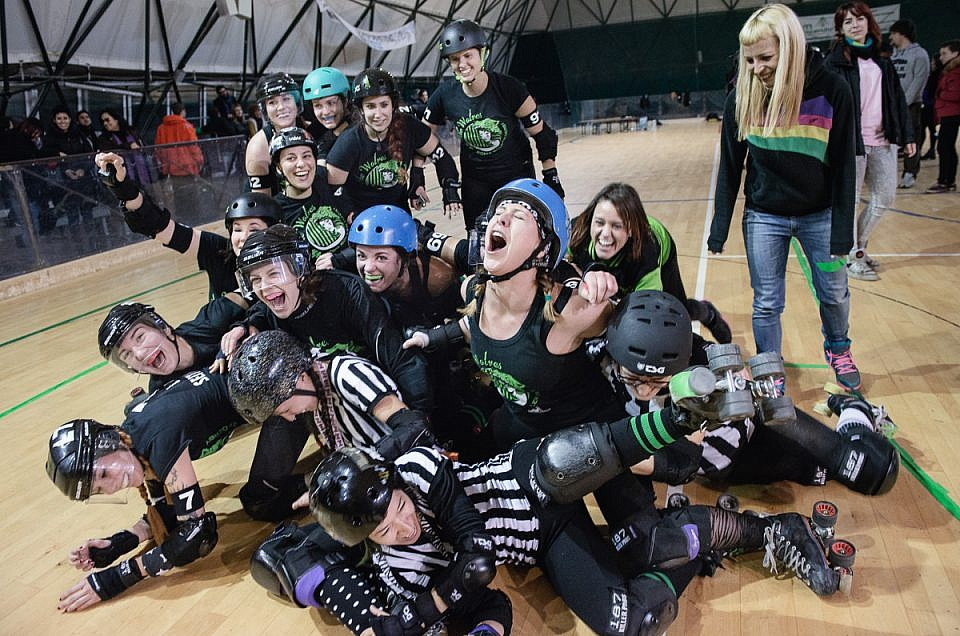 she wolves roma roller derby